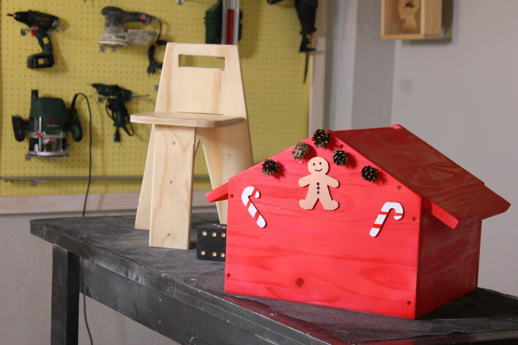 Kiddies Storage Box And Chair Competitions The Home