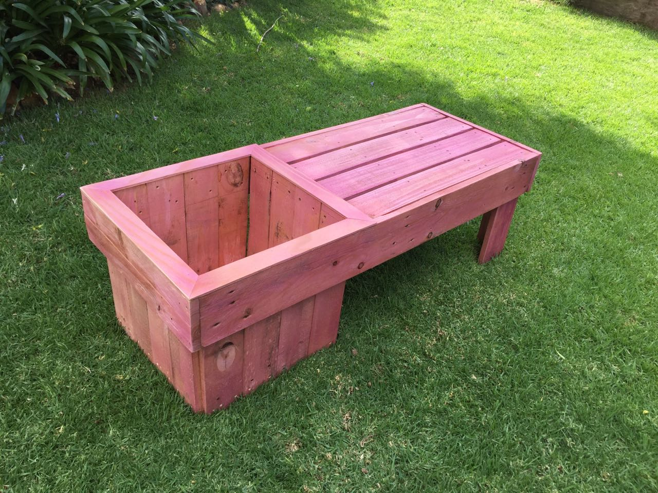 Garden planter bench diy the home channel Home channel gardening
